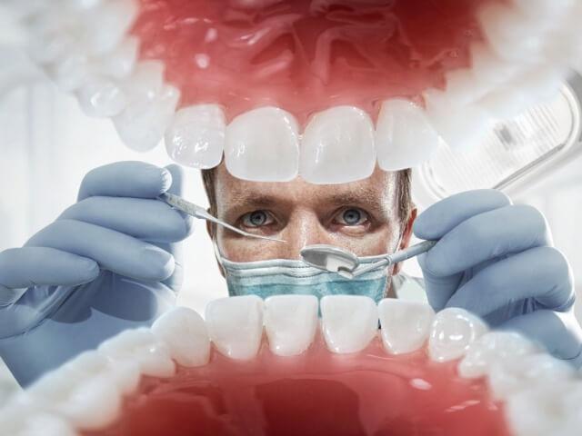 Разновидности протезов и особенности их применения в процессе протезирования передних зубов